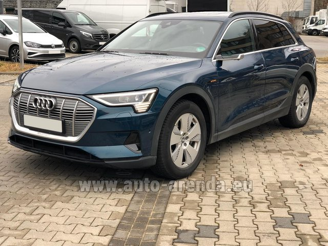 Rental Audi e-tron 55 quattro (electric car) in Zurich
