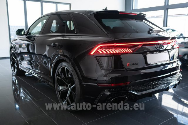 Rental Audi RS Q8 in St Gallen