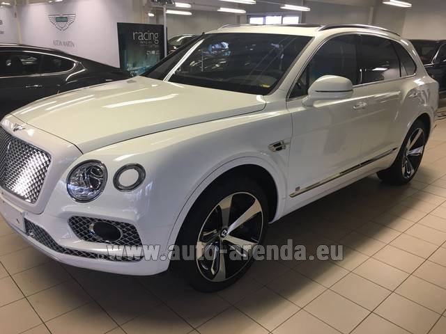 Rental Bentley Bentayga W12 NAIM 22 Rear-Enterteiment in Lugano