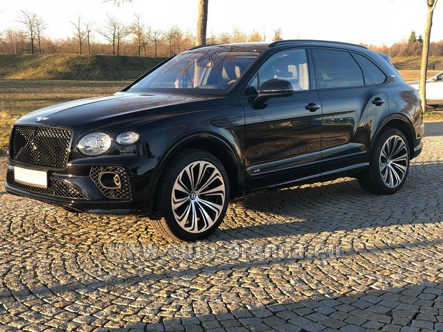 Rental Bentley Bentayga V8 new Model 2021 in Biel