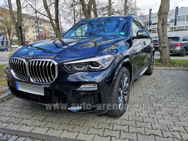 Rental BMW X5 xDrive 30d in Zurich