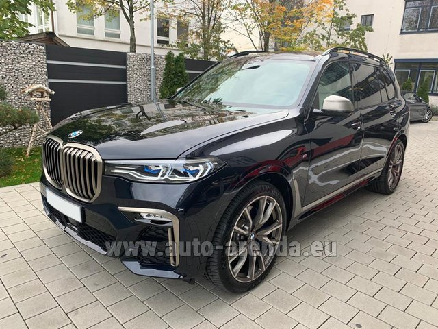 Rental BMW X7 M50d in Zurich