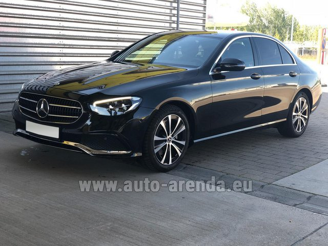 Rental Mercedes-Benz E220 diesel AMG equipment in Lugano