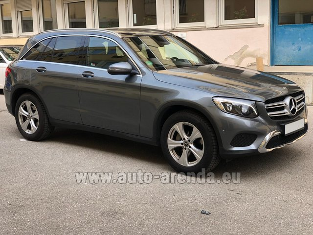 Rental Mercedes-Benz GLC 220d 4MATIC AMG equipment in Lugano