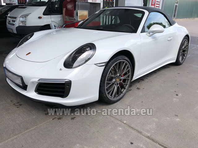 Rental Porsche 911 Carrera 4S Cabrio White in Switzerland