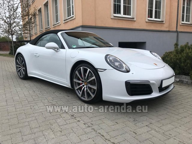 Rental Porsche 911 Carrera 4S Cabrio in Biel