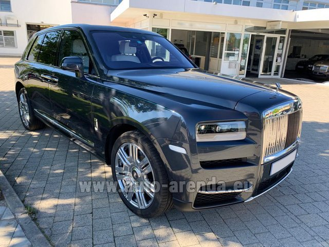 Rental Rolls-Royce Cullinan dark grey in Biel