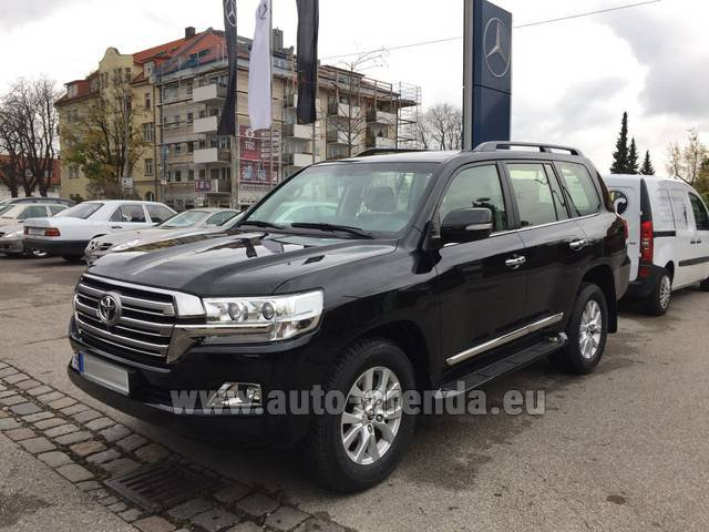 Rental Toyota Land Cruiser 200 V8 Diesel in Switzerland
